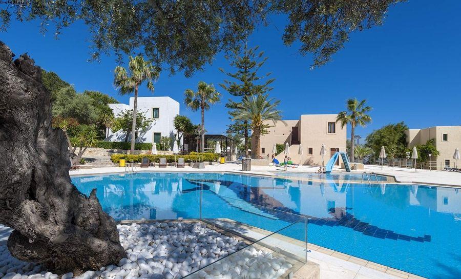 Hotel sirios village hotel in platanias chania for Design hotel kreta